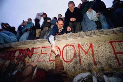 berlin_wall_nov89.jpg