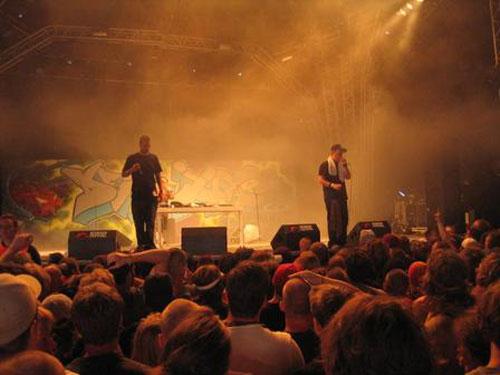 def_jux_live_rf2003.jpg
